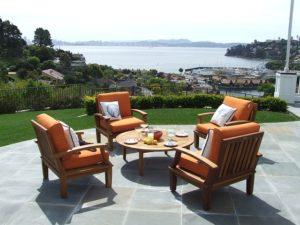 Gartenmöbel Sitzecke mit Tisch